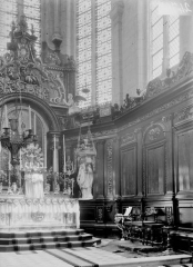Eglise - Maître-autel et boiseries