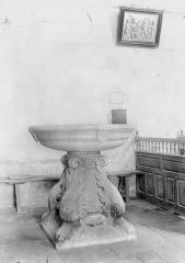 Eglise Saint-Jacques-le-Majeur et Saint-Jean-Baptiste - Fonts baptismaux