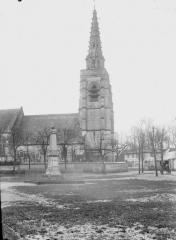 Eglise Saint-Samson et cimetière - Clocher, côté nord