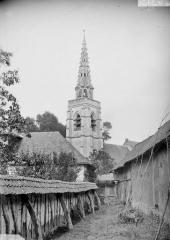 Eglise Saint-Samson et cimetière - Clocher, côté sud-ouest