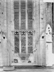 Ancienne abbaye - Eglise, fenêtre