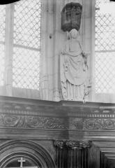 Ancienne abbaye - Eglise, détail, intérieur, statue