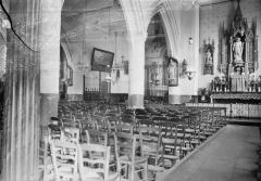 Ancien prieuré et remparts - Eglise, bas-côté et nef