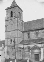 Ancienne église abbatiale, actuellement église paroissiale - Eglise, clocher