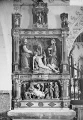 Eglise - Bas-relief, intérieur