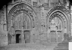 Eglise Saint-Vast - Portail