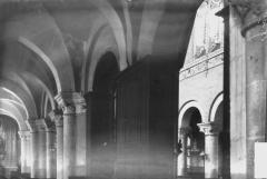 Abbaye - Eglise, bas-côté et nef
