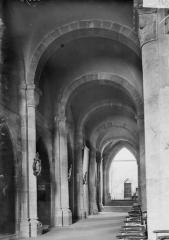 Cathédrale et cloître - Bas-côté