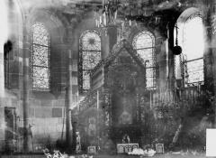 Petite église attenant à la cathédrale (Eglise Notre-Dame) - Choeur, fenêtre