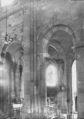 Cathédrale et cloître - Intérieur, vue diagonale