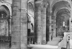 Petite église attenant à la cathédrale (Eglise Notre-Dame) - Nef