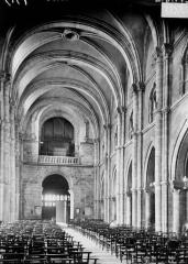 Eglise Saint-Maurice - Nef, vue du choeur