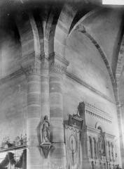 Eglise Notre-Dame - Colonnes et chapiteaux