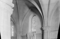 Eglise Saint-Rémi - Colonnes et chapiteaux