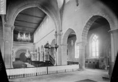 Eglise Saint-Léger - Nef, vue du choeur