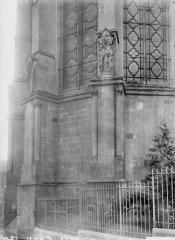 Cathédrale Notre-Dame - Contreforts, détail