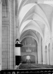 Cathédrale Notre-Dame - Nef, vue du choeur