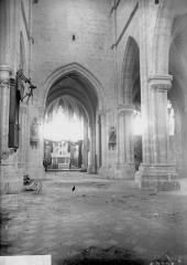 Eglise Saint-Julien et Saint-Jean-Baptiste - Nef, vue de l'entrée