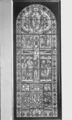 Cathédrale Saint-Pierre - Vitrail, La Crucifixion, ensemble