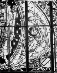 Cathédrale Saint-Pierre - Vitrail, angelot du tympan