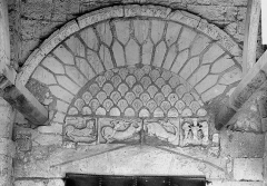 Eglise Saint-Martin - Portail, tympan