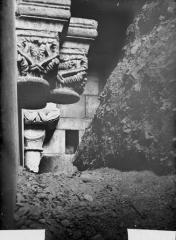 Cathédrale Notre-Dame - Chapiteaux découverts de la construction primitive