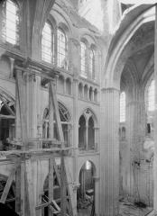 Ancienne cathédrale (église Notre-Dame) et ses annexes - Travée sud, partie du mur sud de la nef