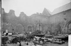Ancienne cathédrale (église Notre-Dame) et ses annexes - Cloître, cour