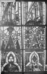 Cathédrale Notre-Dame - Vitraux de la fenêtre axiale du choeur, panneaux intermédiaires