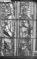 Cathédrale Notre-Dame - Vitraux de la fenêtre axiale du choeur, panneaux inférieurs
