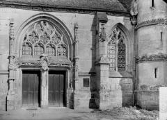 Eglise - Portail et fenêtre