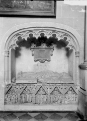 Eglise Saint-Laon - Enfeu du choeur et gisant