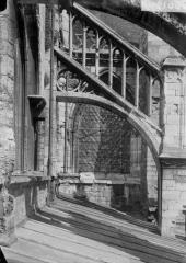 Eglise Saint-Jacques - Façade sud, arc-boutant