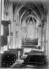Eglise Saint-Hélain - Nef, vue de l'entrée