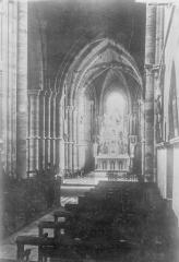 Eglise - Nef, vue de l'entrée