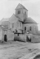 Eglise (ruines) - Clocher et abside, au sud