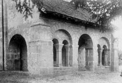 Eglise - Porche