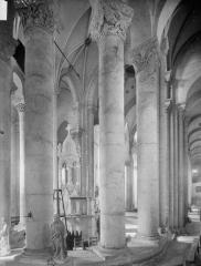 Ancienne abbaye Saint-Pierre - Eglise, déambulatoire et choeur