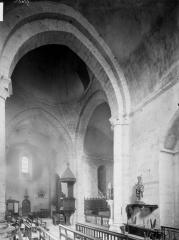 Eglise Saint-Pierre - Transept, vue diagonale