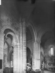 Eglise Saint-Chartier de Javarzay - Transept, vue diagonale