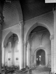 Eglise Saint-Hilaire - Travées de la nef, au nord