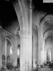 Eglise Saint-Hilaire - Bas-côté sud et nef