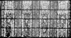 Eglise Saint-Gengoult et son cloître - Vitrail restauré, quatre figures