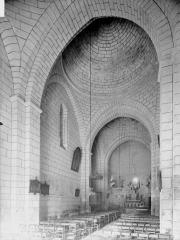 Eglise Saint-Jean-Baptiste - Nef, vue de l'entrée