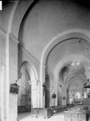 Eglise Saint-Nicolas - Nef, vue de l'entrée