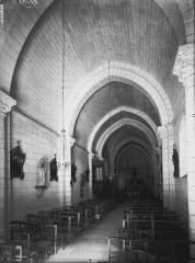 Eglise Saint-Vivien - Nef, vue de l'entrée