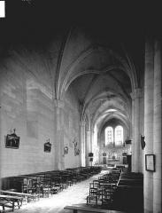 Eglise Saint-Marien - Nef, vue de l'entrée
