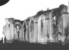 Ancienne abbaye Notre-Dame de la Couronne - Mur nord de la nef