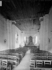 Eglise Saint-Maixent - Nef, vue de l'entrée