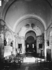 Eglise Saint-Hilaire - Nef, vue de l'entrée